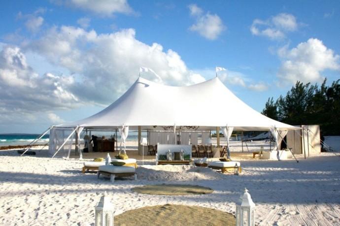 Strandhochzeit im Zelt